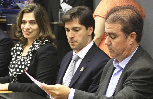 Jonas Donizette assina com o Programa Cidades Sustentáveis